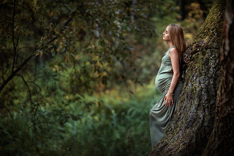 Беременная в лесу фото 2