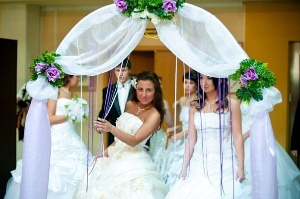 Украшаем арку на свадьбу своими руками