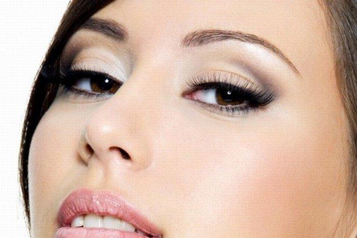 Фото карих глаз с макияжем