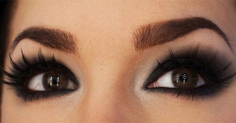 Тёмный макияж глаз