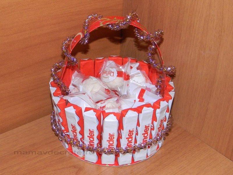 Подарок из киндер шоколадок