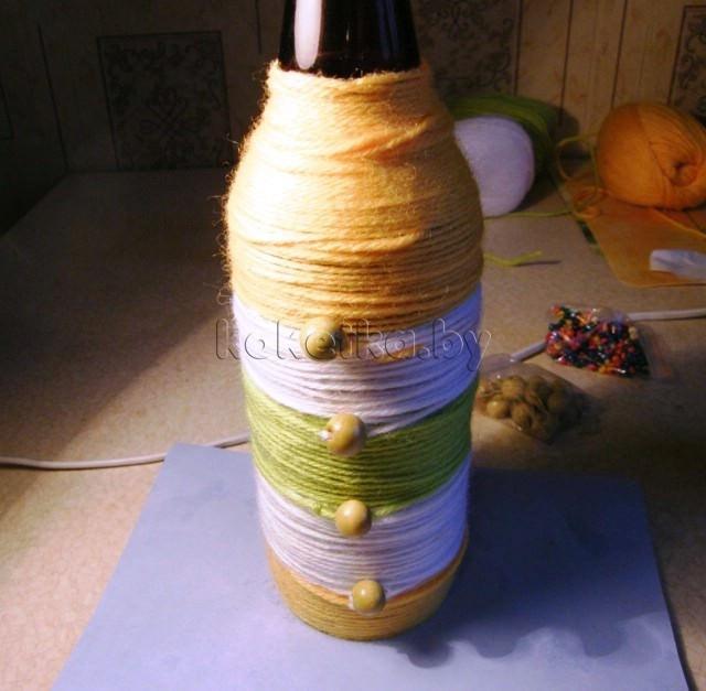Вазы из пластиковых бутылок и ниток своими руками 28