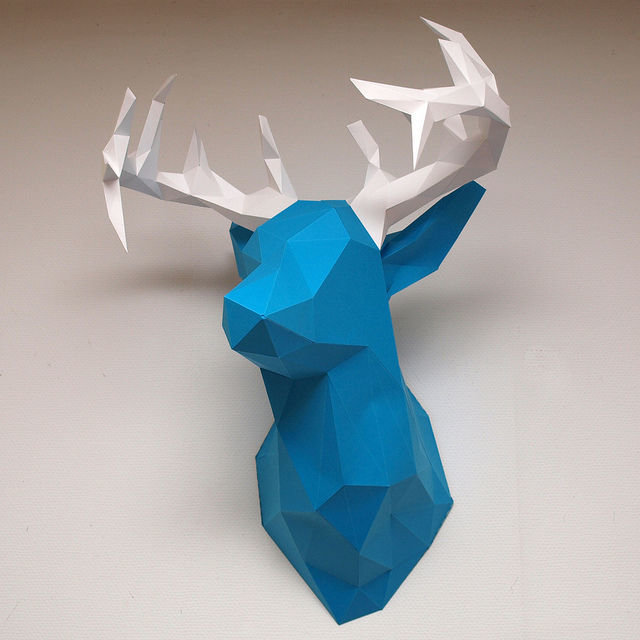 Объемный олень из бумаги