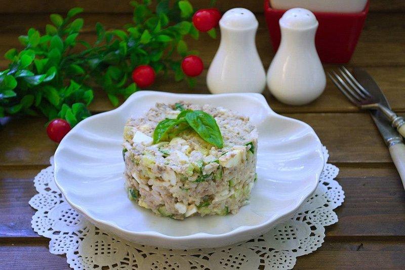 Блюда из консервы салаты