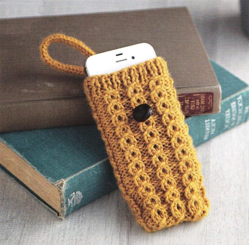 Вязанный на спицах чехол для телефона 89