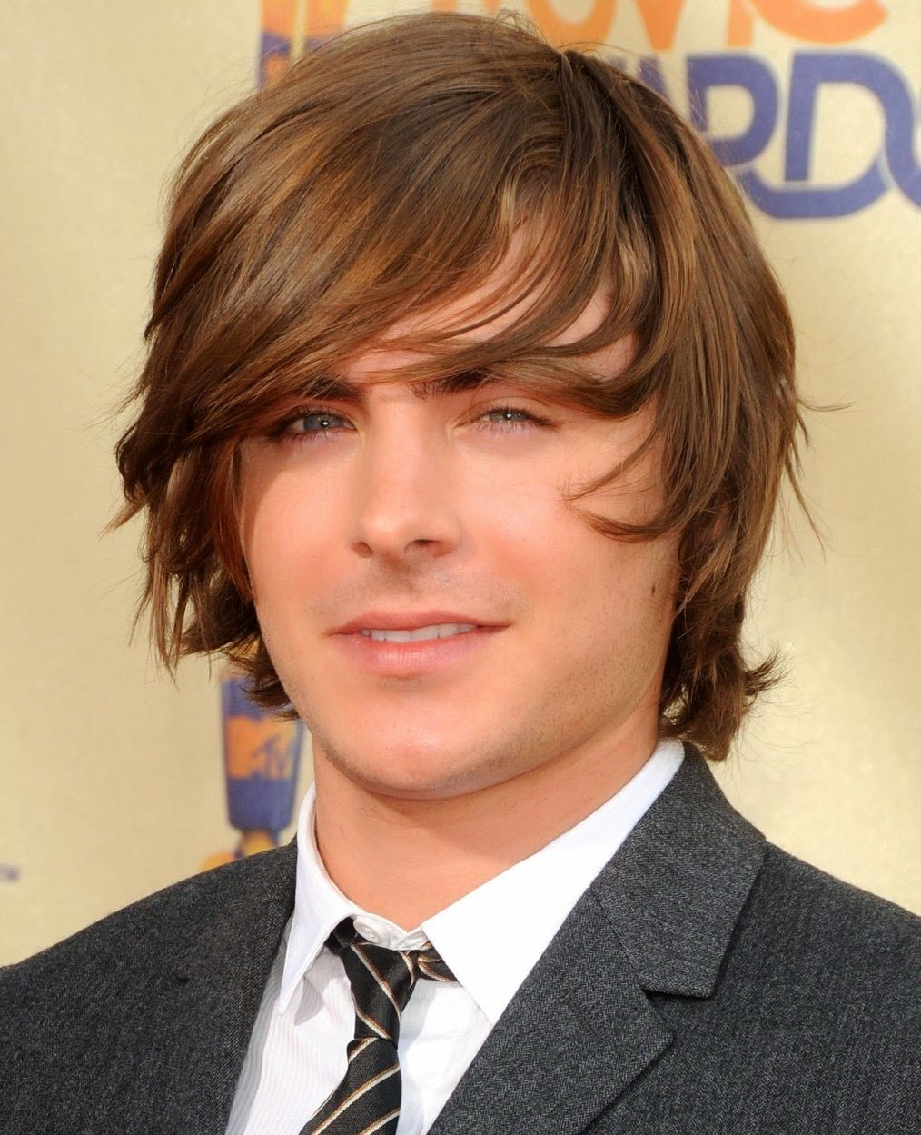 Фото мужские причёсок на средние волосы с чёлкой фото