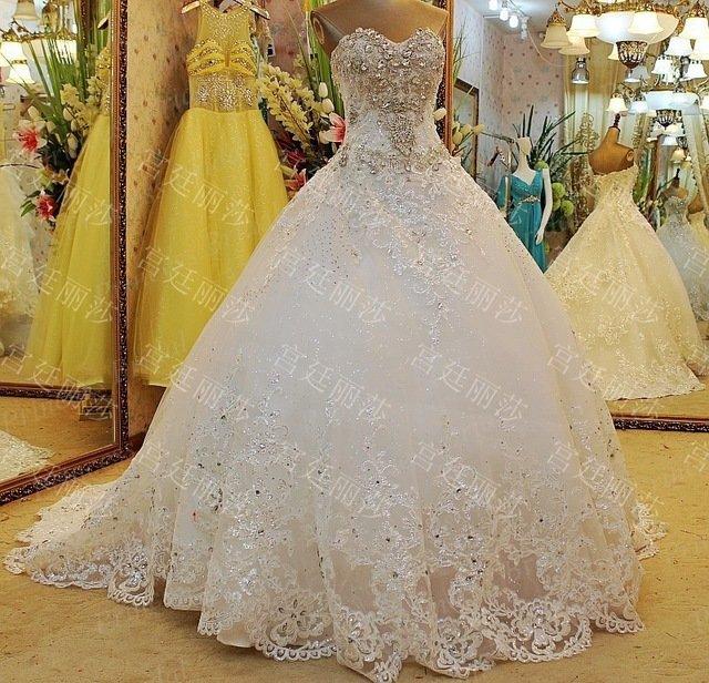 Самые дорогие платья и цена