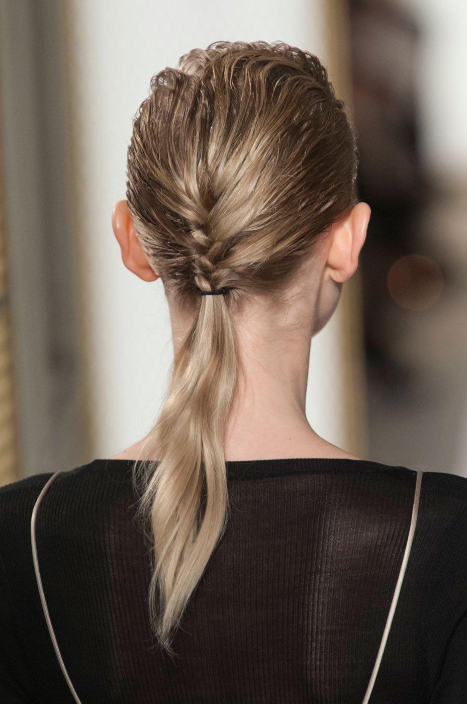 Прически для тонких и жидких длинных волос