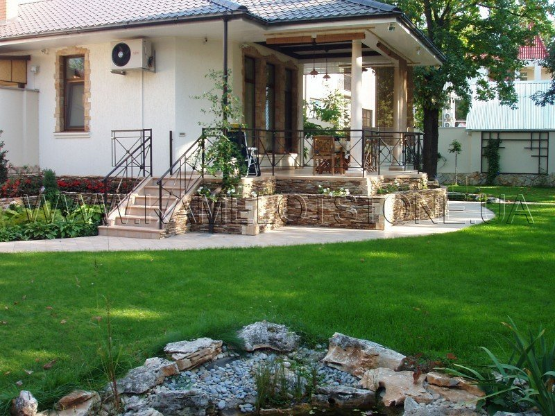 Дизайн цоколя частного дома