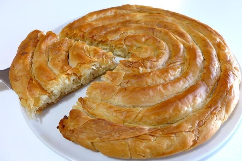 Греческая улитка с мясом из слоеного теста рецепт