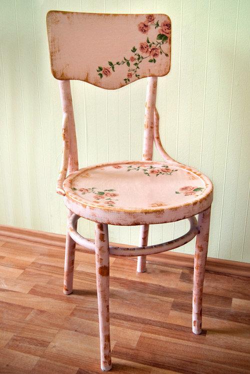 Декупаж и кракелюр белый стул