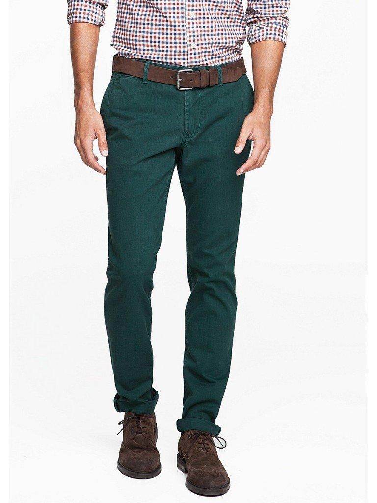 Зеленые мужские брюки с чем носить