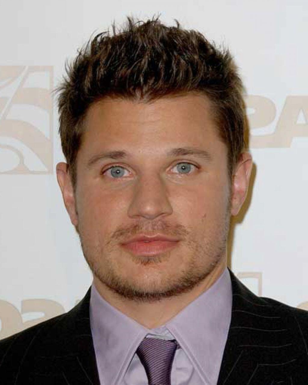 Фото мужская причёска круглое лицо