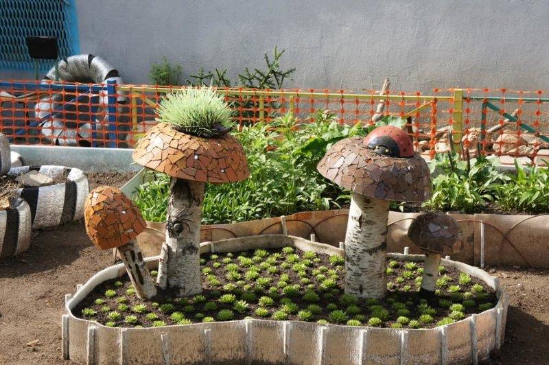 Украшение для огорода своими руками фото