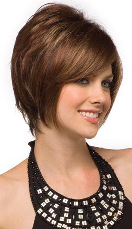 Фото прически для тонких волос на круглое лицо