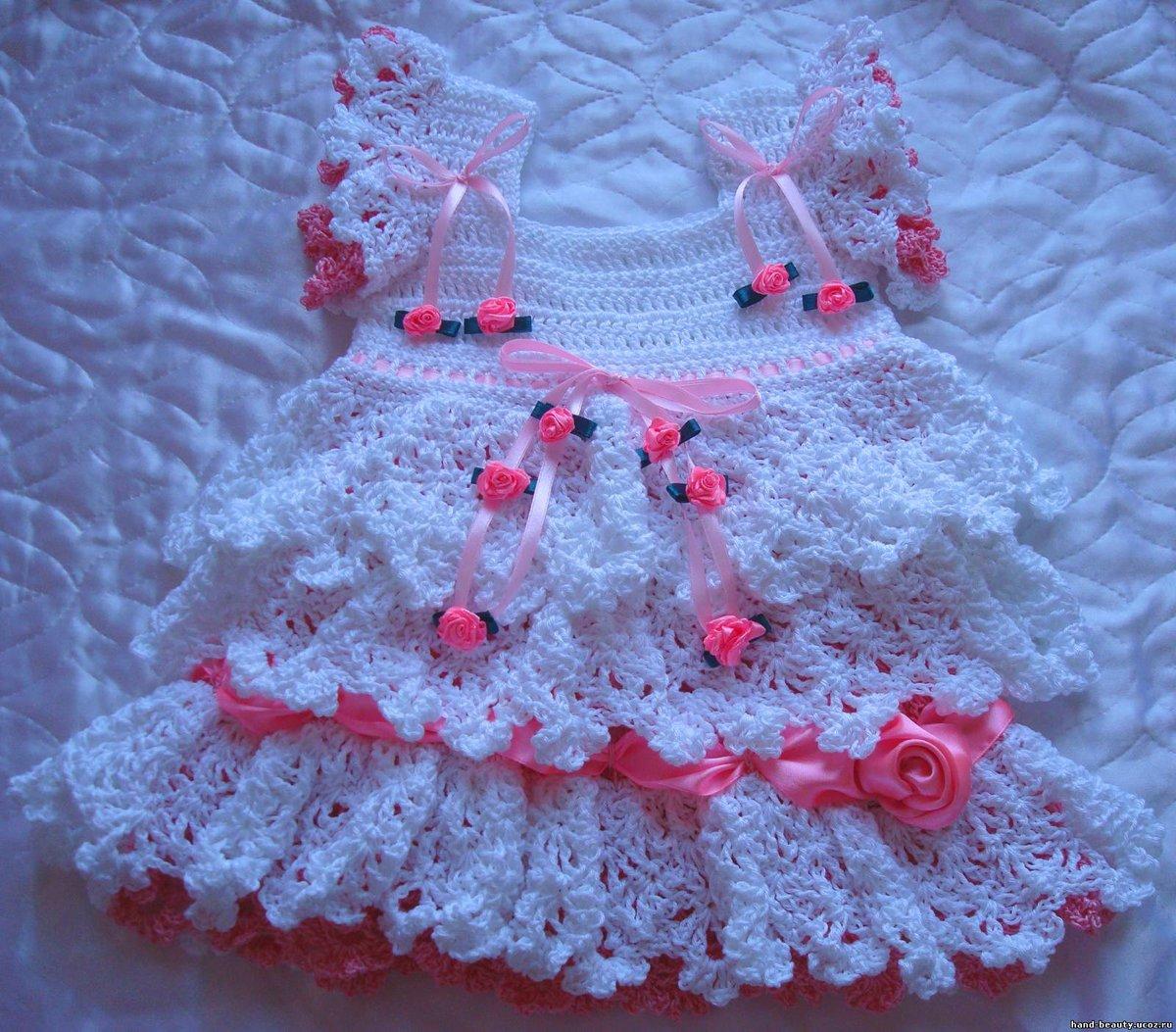 Как украсить вязаное платье для девочки своими руками 32