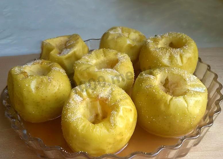 Печеные яблоки в микроволновке рецепт с фото