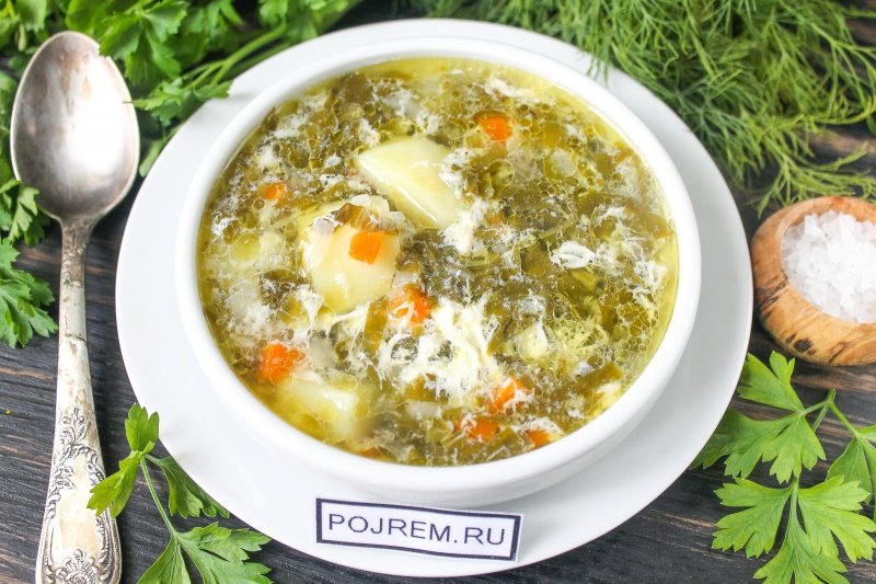 Как сварить суп из щавеля с курицей и яйцом