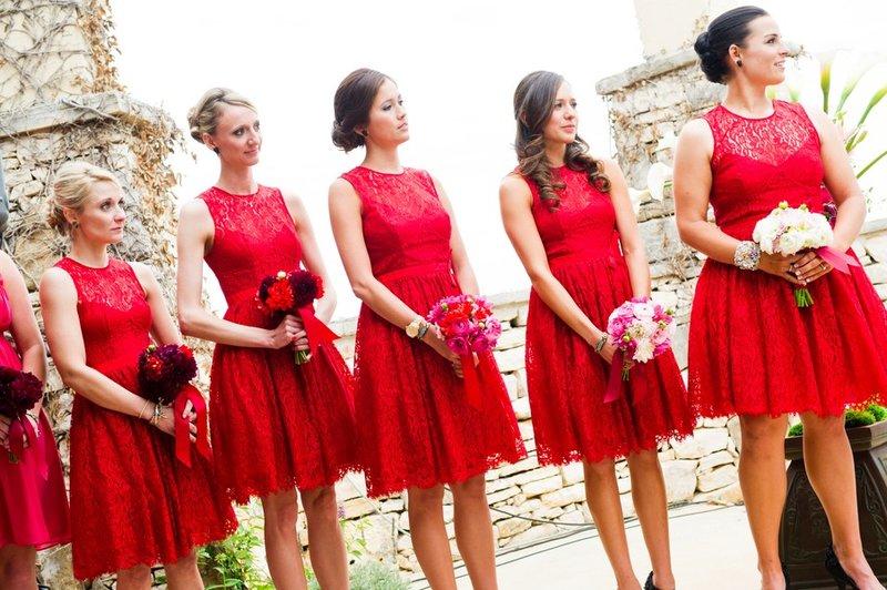 Красные платья на свадьбу к подруге