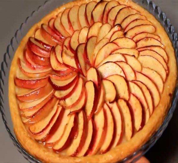 Пирог с яблоками со слоеным тестом открытый с пошагово