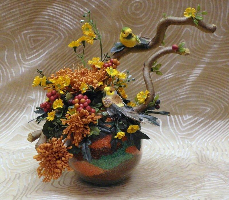 Композиции из коряг и цветов