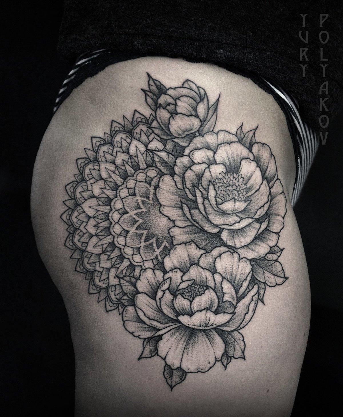 Татуировки мандала с пионом