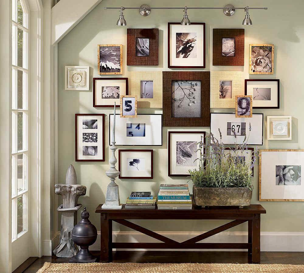 Фото на стене в интерьере в рамках своими руками
