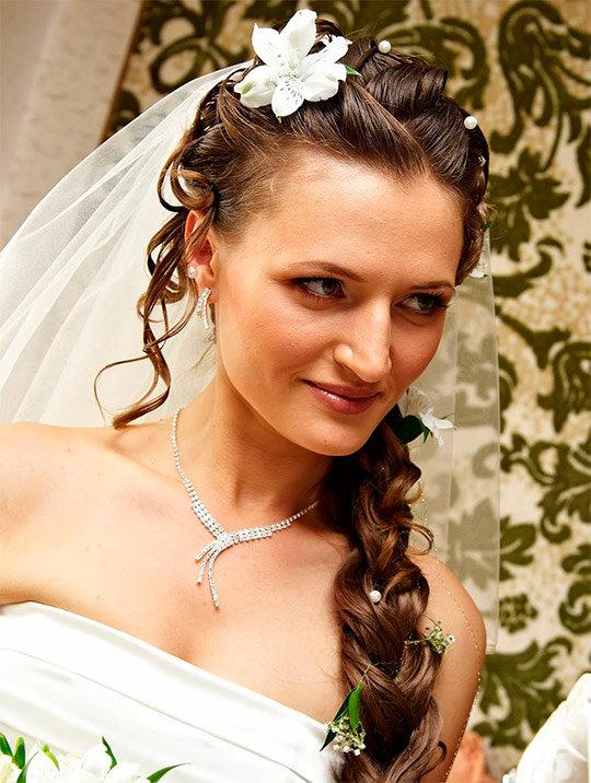 Фото свадебных причесок коса с фатой
