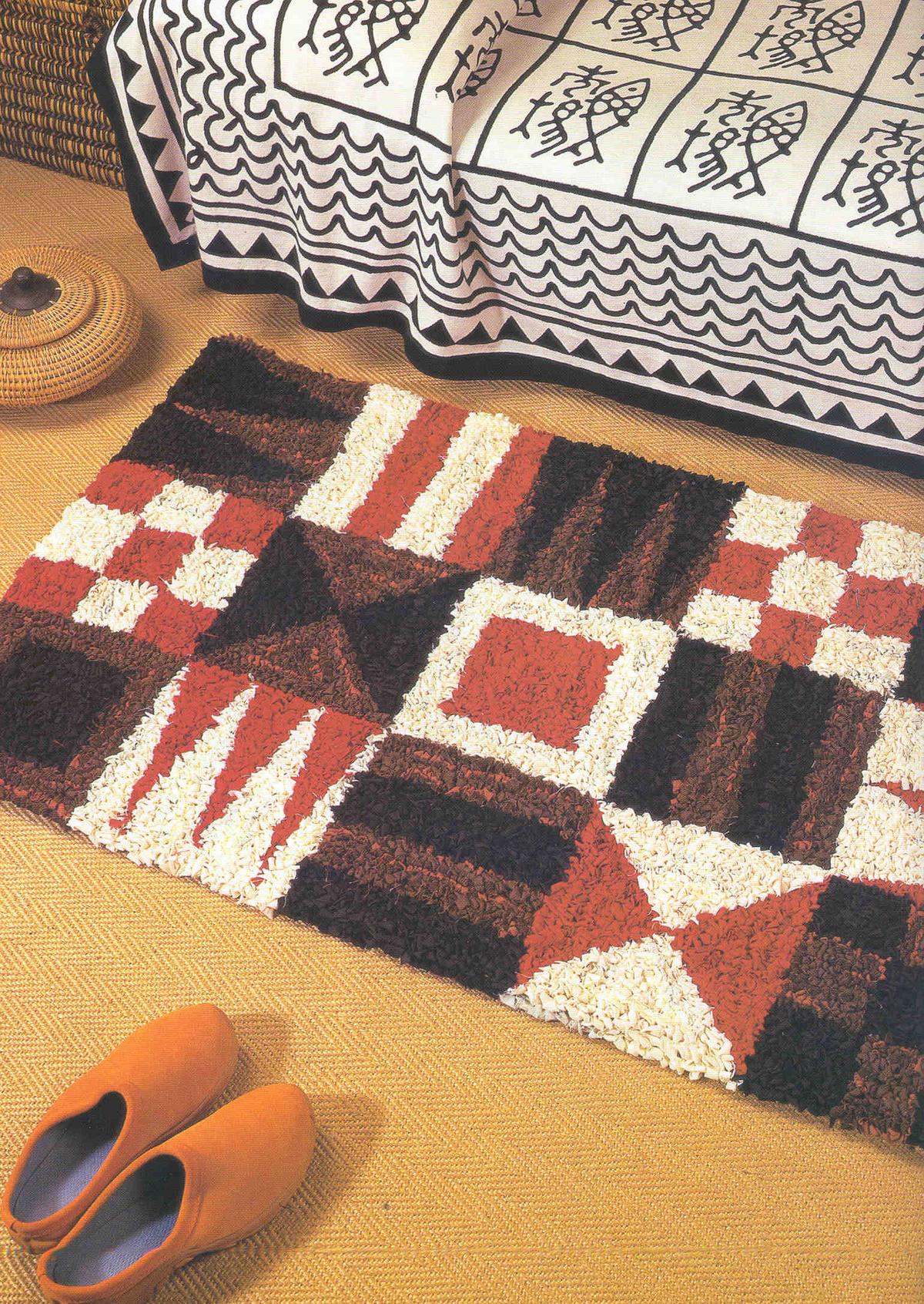 12 необычных идей как сделать коврики из старых вещей