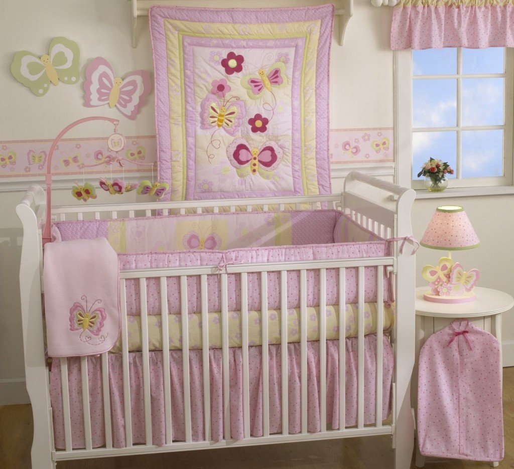 Чем украсить детскую кроватку своими руками