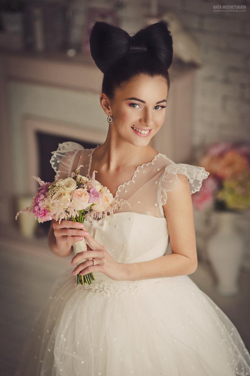 Прически на свадьбу бантик