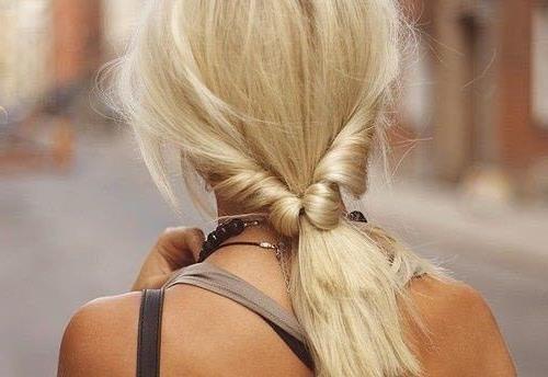 Красивые девушек на аву блондинок со спины