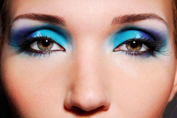 Глаз так же как и макияж для карих глаз хорошо