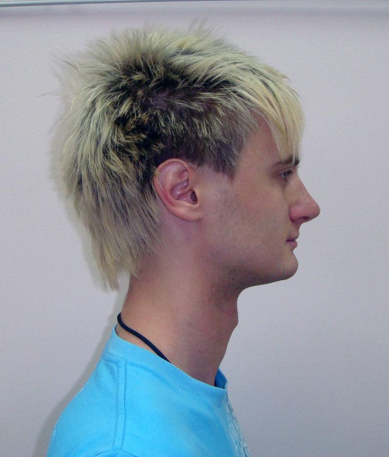 Длинная челка короткий затылок мужская стрижка