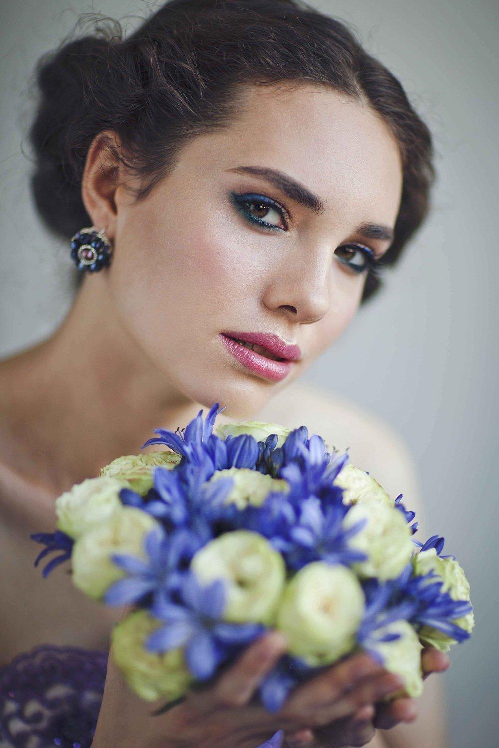 Макияж невесты в синих тонах фото