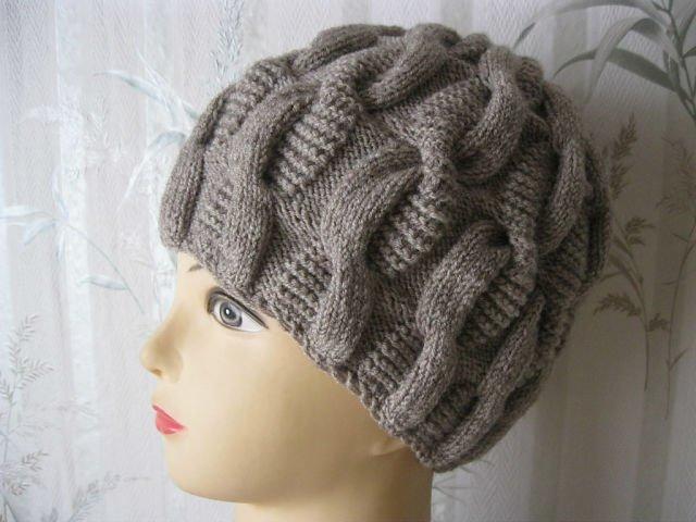 Вязание шапок для женщин с косами 90