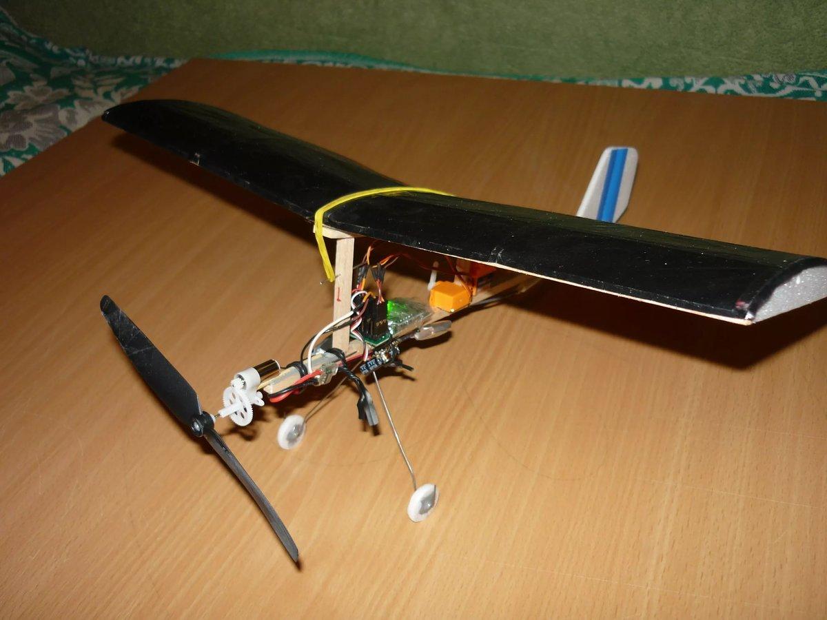 Как сделать летающий самолёт своими руками в домашних условиях 52