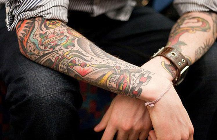 Красивое тату на руке для мужчин