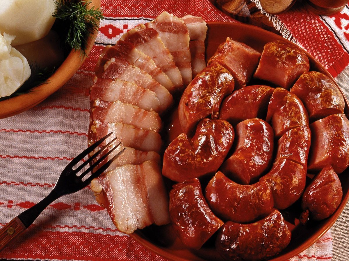 Рецепт домашней колбасы без свинины