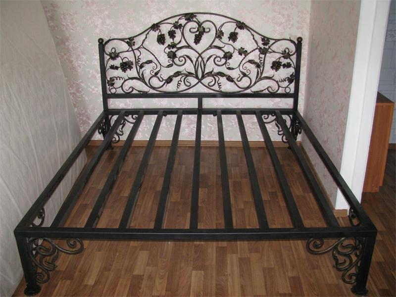 Как сделать своими руками двуспальную кровать из металла