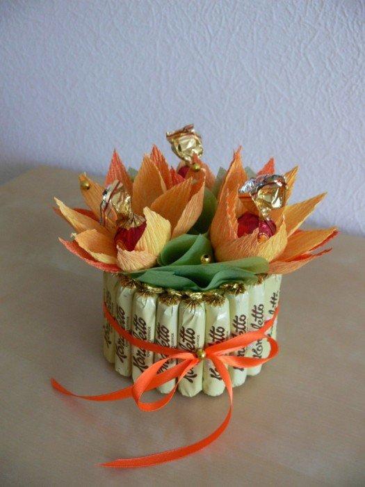 Букеты из конфет для подарка своими руками 72