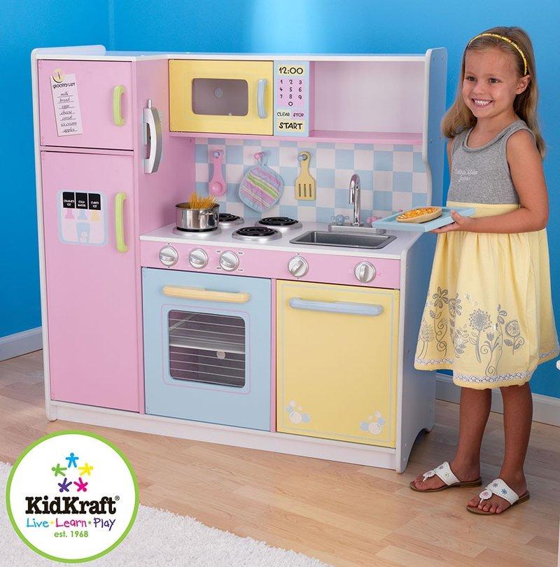 Детская кухня для девочек деревянная