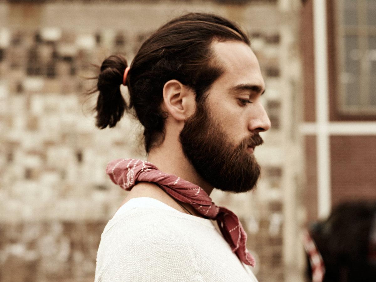 Прическа с волосами на шее мужские