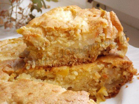 Шарлотка с яблоками и с манкой рецепт с фото пошагово в духовке