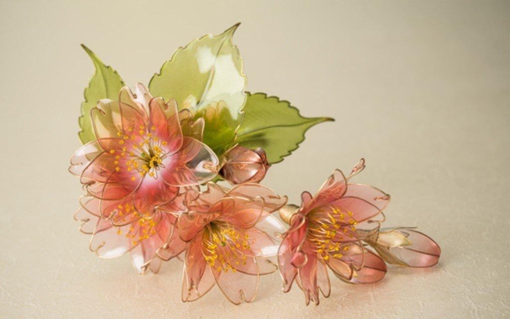 Цветы из проволоки и лака