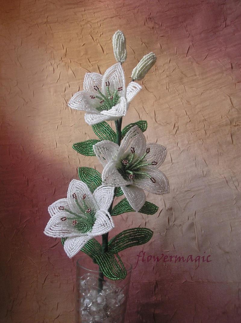 Схема плетения белой лилии