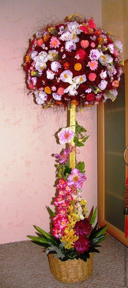 Большие топиарий из искусственных цветов