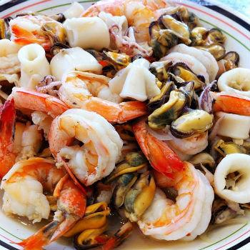 Салат из кальмаров мидий и креветок рецепты с