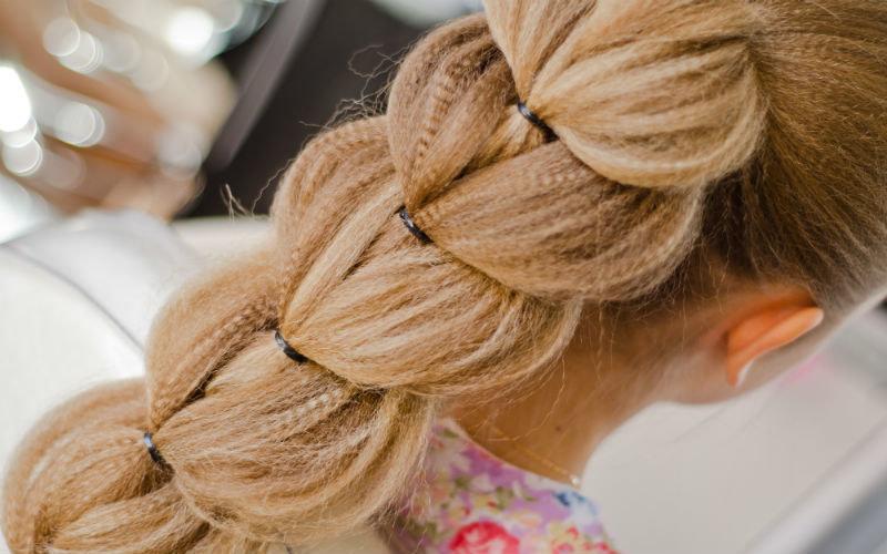 Прическа на длинные волосы с гофре пошагово