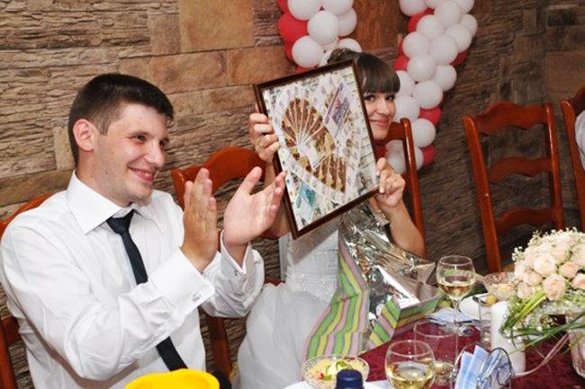 Поздравить молодых на свадьбе прикольно с подарком 639